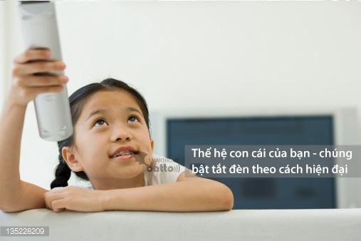 Trẻ em cũng có thể dùng remote để bật tắt đèn